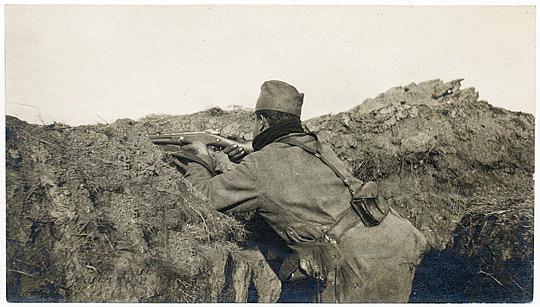 30. Posmatranje neprijateljskih polozaja preko nisana
