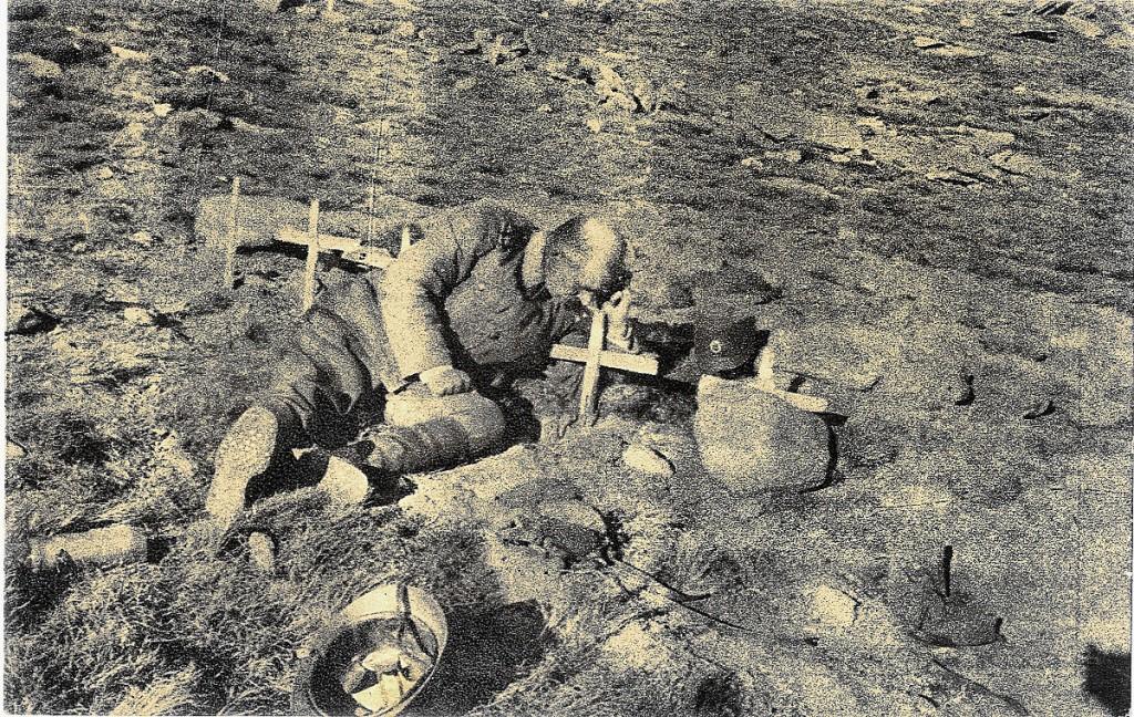 38. srpski oficir na grobu svog sina jedinca na kajmakc