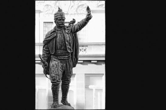 Војин Поповић – пуче пушка са Груништа